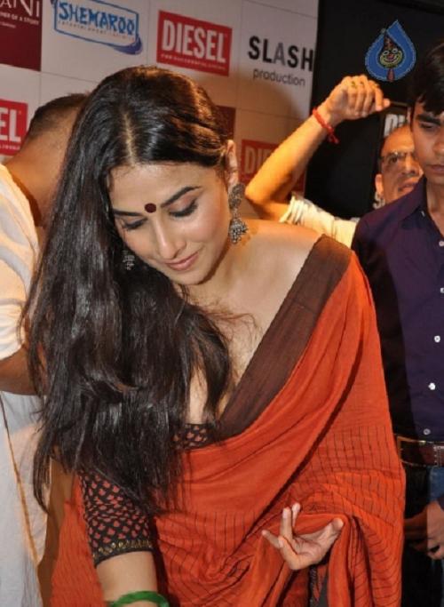 Image Result For Vidya Balan Indian Actress Wallpaper