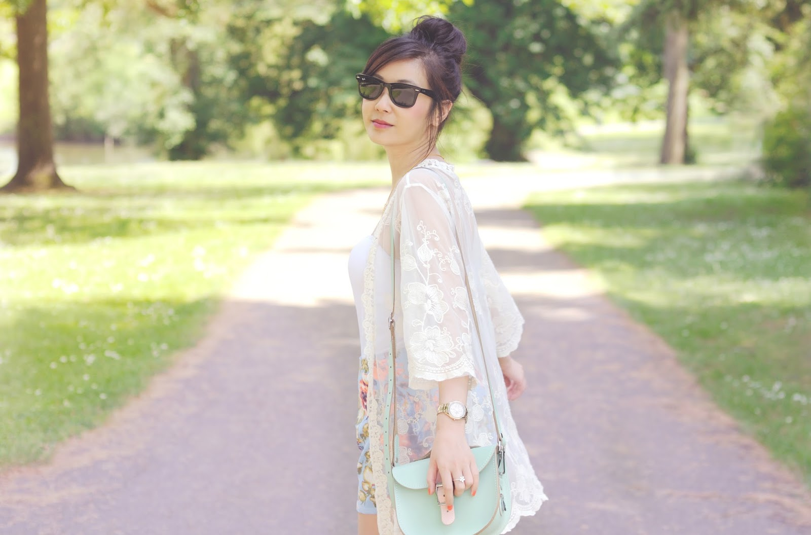 how to wear a white kimono, white lace kimono, fashion blog, fashion blogger