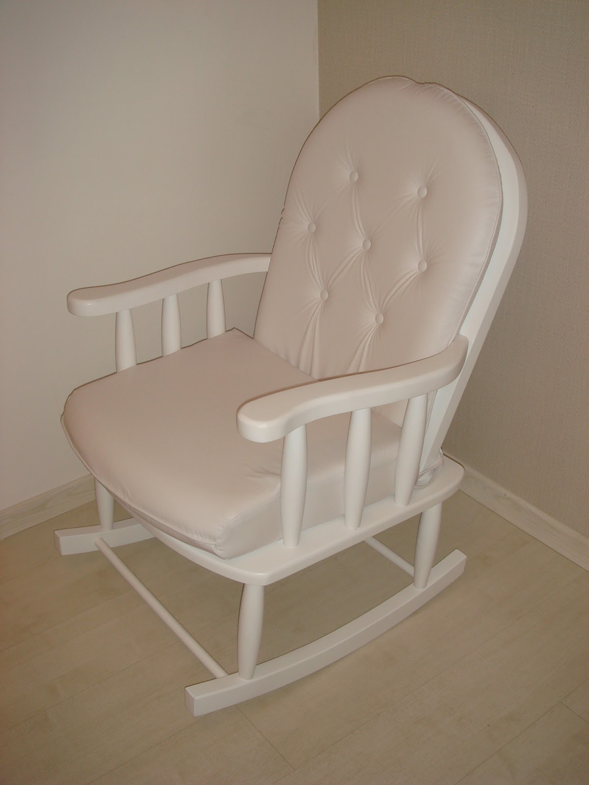and Bedroom Design: POLTRONAS PARA AMAMENTAÇÃO. DIVERSOS TECIDOS #7D694F 1200x1600