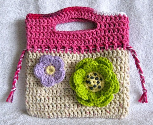 Little Floral Purse - Free Pattern