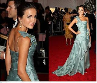 modelos de Vestidos de um ombro só