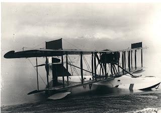 الطائرة ( فيكرز فيمي ) 1917