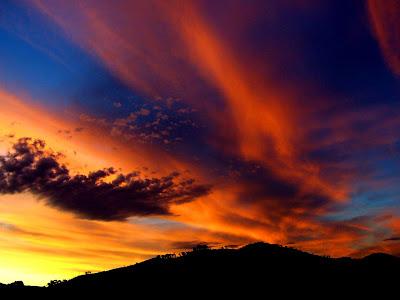 Gambar Pemandangan Langit Indah Sore Hari