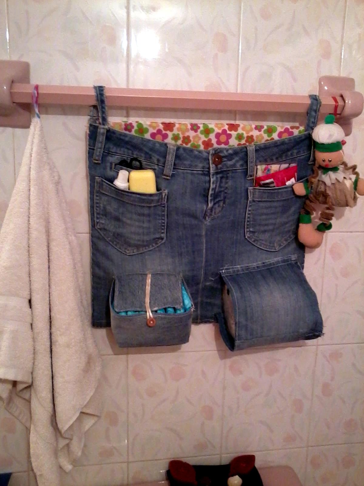 Organizador De Baño En Tela Paso A Paso:de un cuadro de triplay o aglomerado de madera, unos jeans, tela