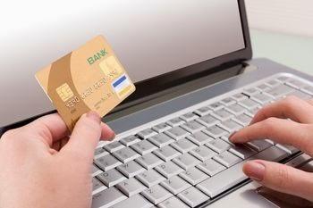 Kelebihan Melakukan Transaksi Melalui SMS dan Internet Banking