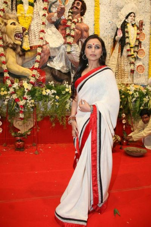 Bengali style of wearing saree