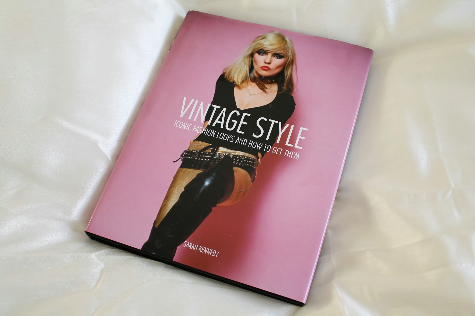 Vintage Style Iconic Fashion Looks And How To Get Them Lovebirds Vintage
