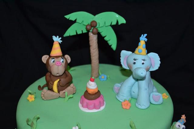 Tarta Animales modelados tortuga, elefante, mono fondant sugar dreams gandia