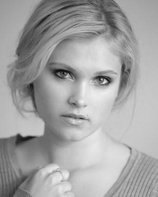 Eliza Taylor Cotter celebridades del cine