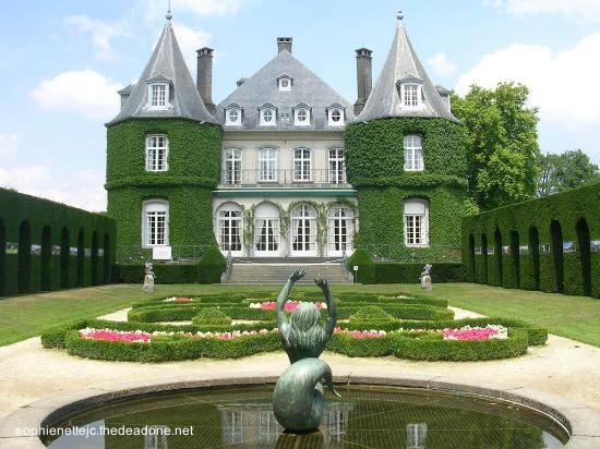 Arquitectura de casas casas residencias villas y for Sims 2 mansiones y jardines