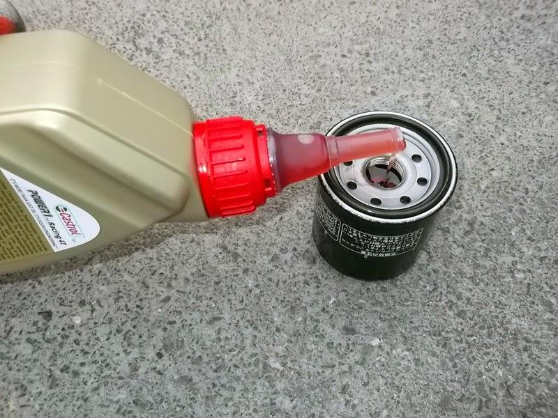 Llenamos filtro de aceite