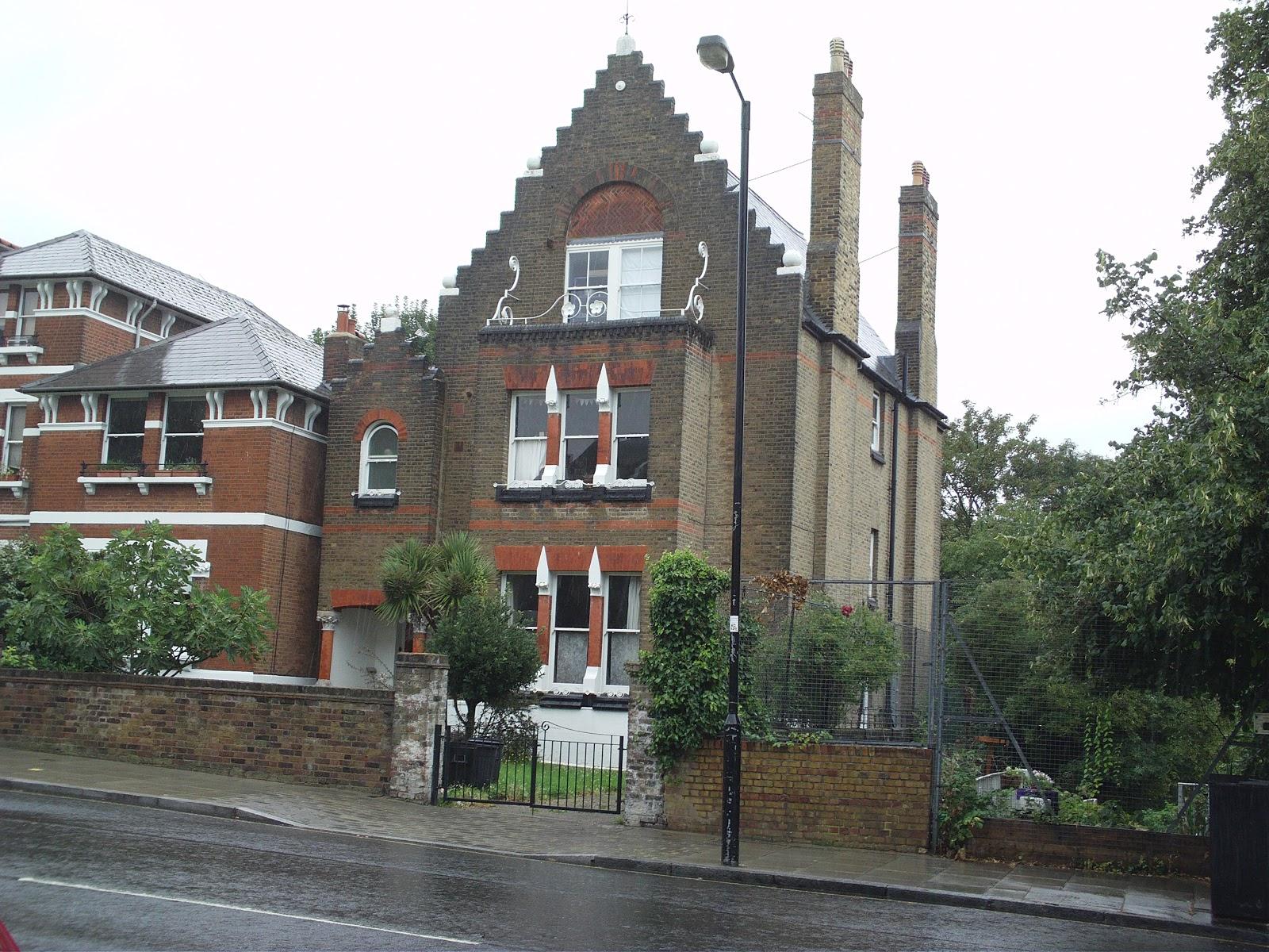 Spaced House! 23 Carleton Road Tufnell Park London N7 0EQ