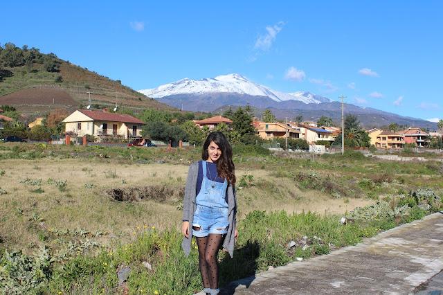 blogger sicilia, outfit salopette e pois