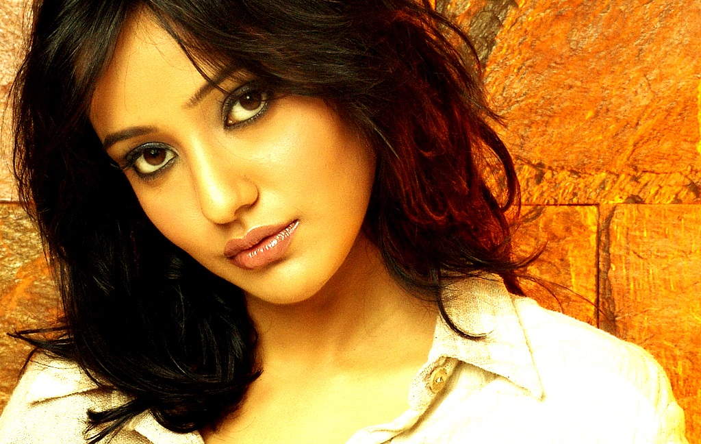 Hot Neha Sharma HD wallpaper for download