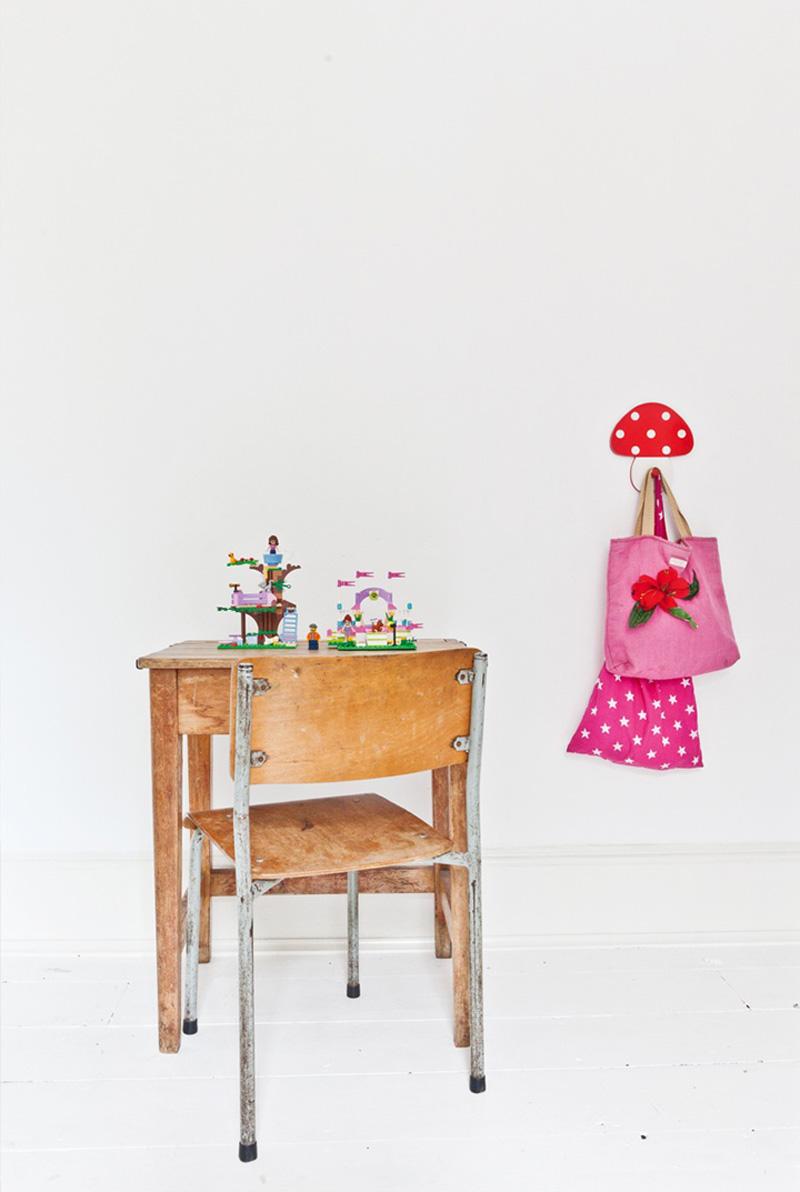 Decora tu habitación con mobiliario escolar vintage | Maria victrix