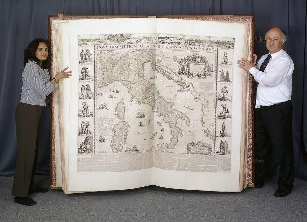 Anciens livres géants