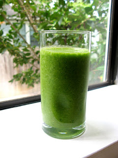 spinach, celery, green smoothies, tj's green adventure