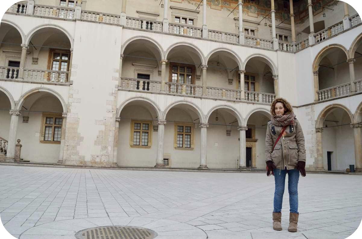 Kraków, Marzec, Wypad, Weekend, Co warto zwiedzić, Zamek Królewski na Wawelu, wawel, stare miasto, kraków, zmęczona, atrakcje, czarny lincoln, czarnylincoln, zwiedzanie, chora,