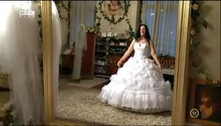 Angéla és a menyasszonyi ruha