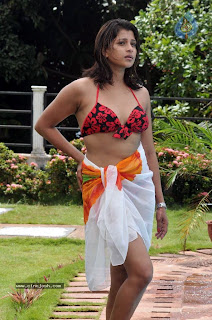 Nadeesha Hemamali Sexy Figure