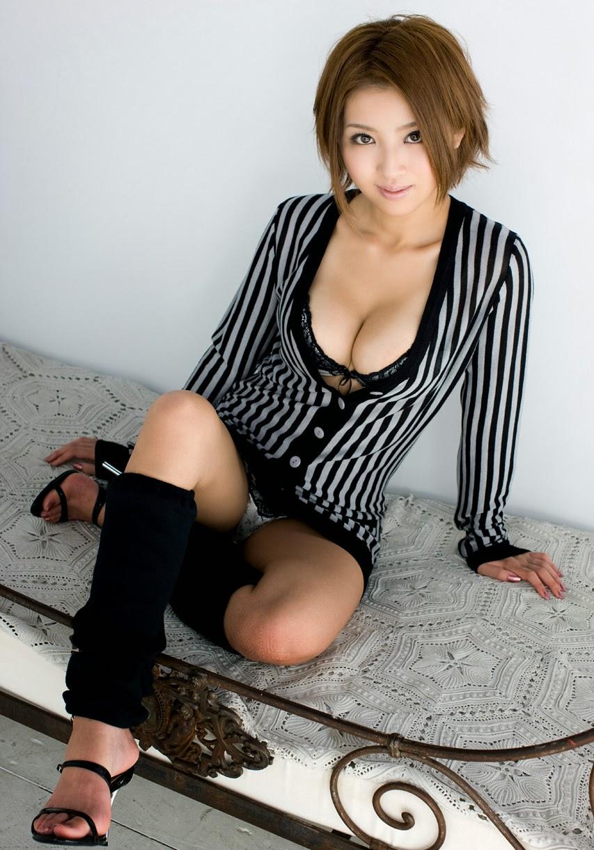 Hot Japanese AV Girl Kazuki Asou nude