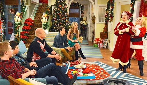 disney channel announces fa la la lidays 2012 schedule including austin ally and jessie crossover - Disney Channel Christmas