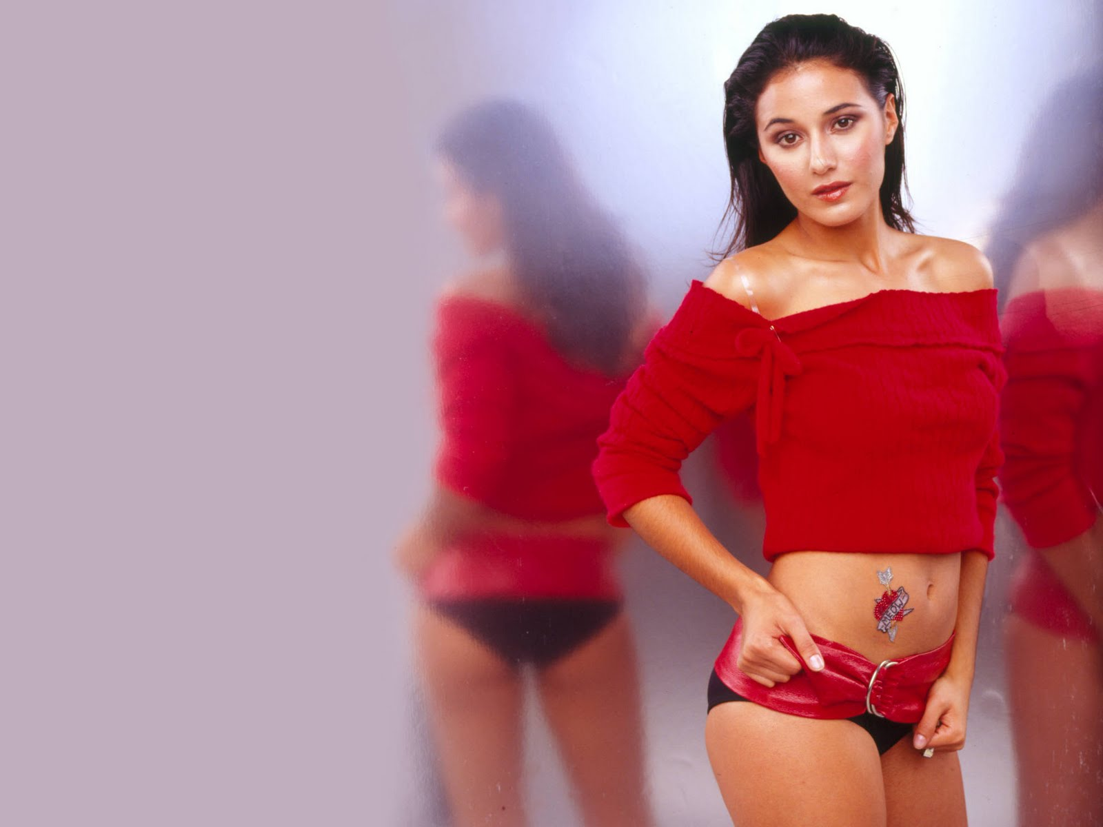 http://1.bp.blogspot.com/-OVIcPkZQ94A/TuDloZwtO6I/AAAAAAAAKbs/pglP553xETw/s1600/Emmanuelle_Chriqui_HD_Wallpaper_red_bikini.jpg