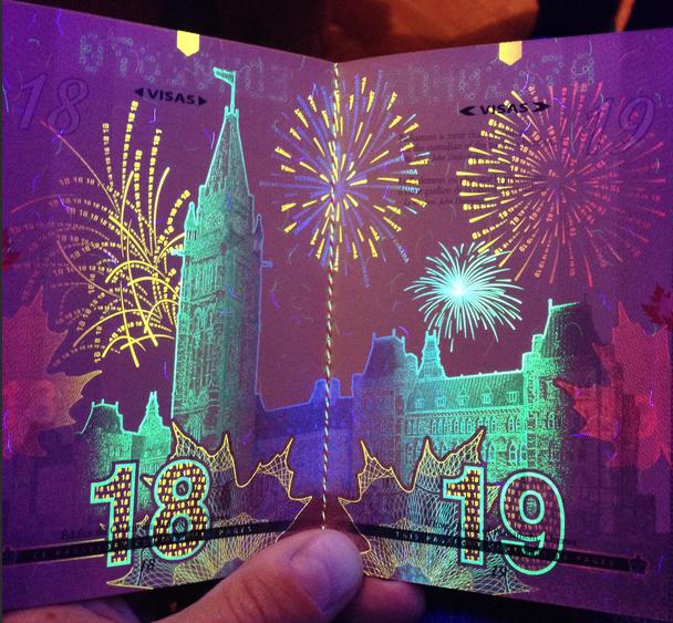 Așa arată pașaportul canadian în lumină neagră