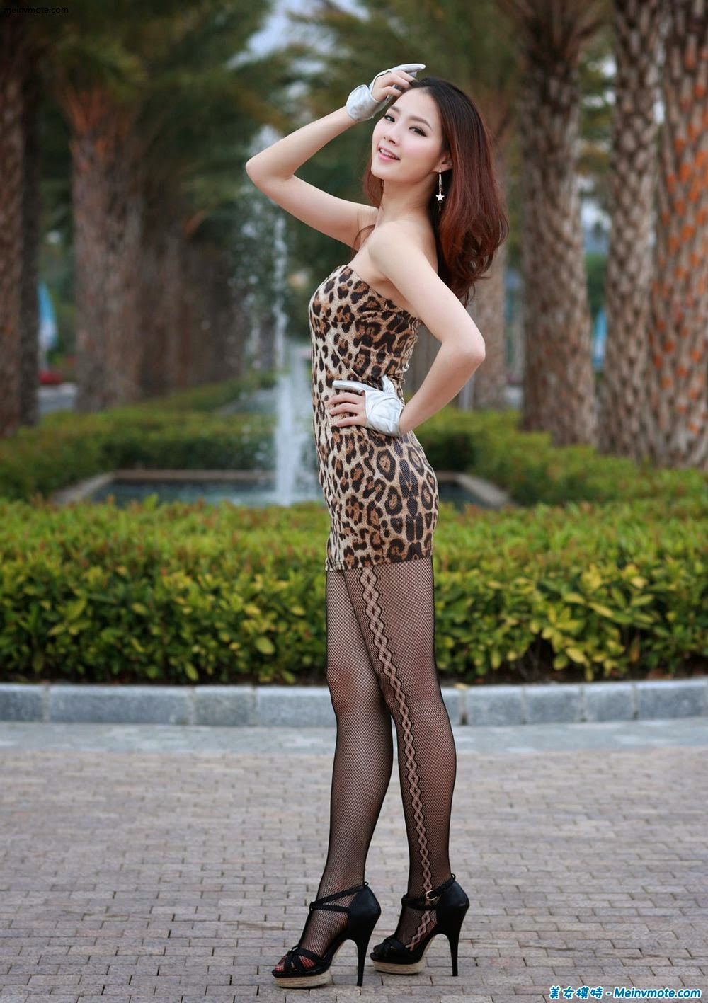 Small leopard skirt seductive posture