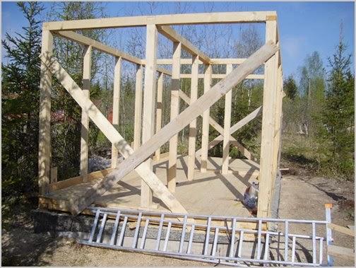 Деревянный дом своими руками построить