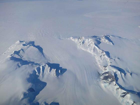Novo estudo da NASA mostra que o gelo est� aumentando na Ant�rtica e est� tirando �gua dos oceanos e diminuindo seus n�veis