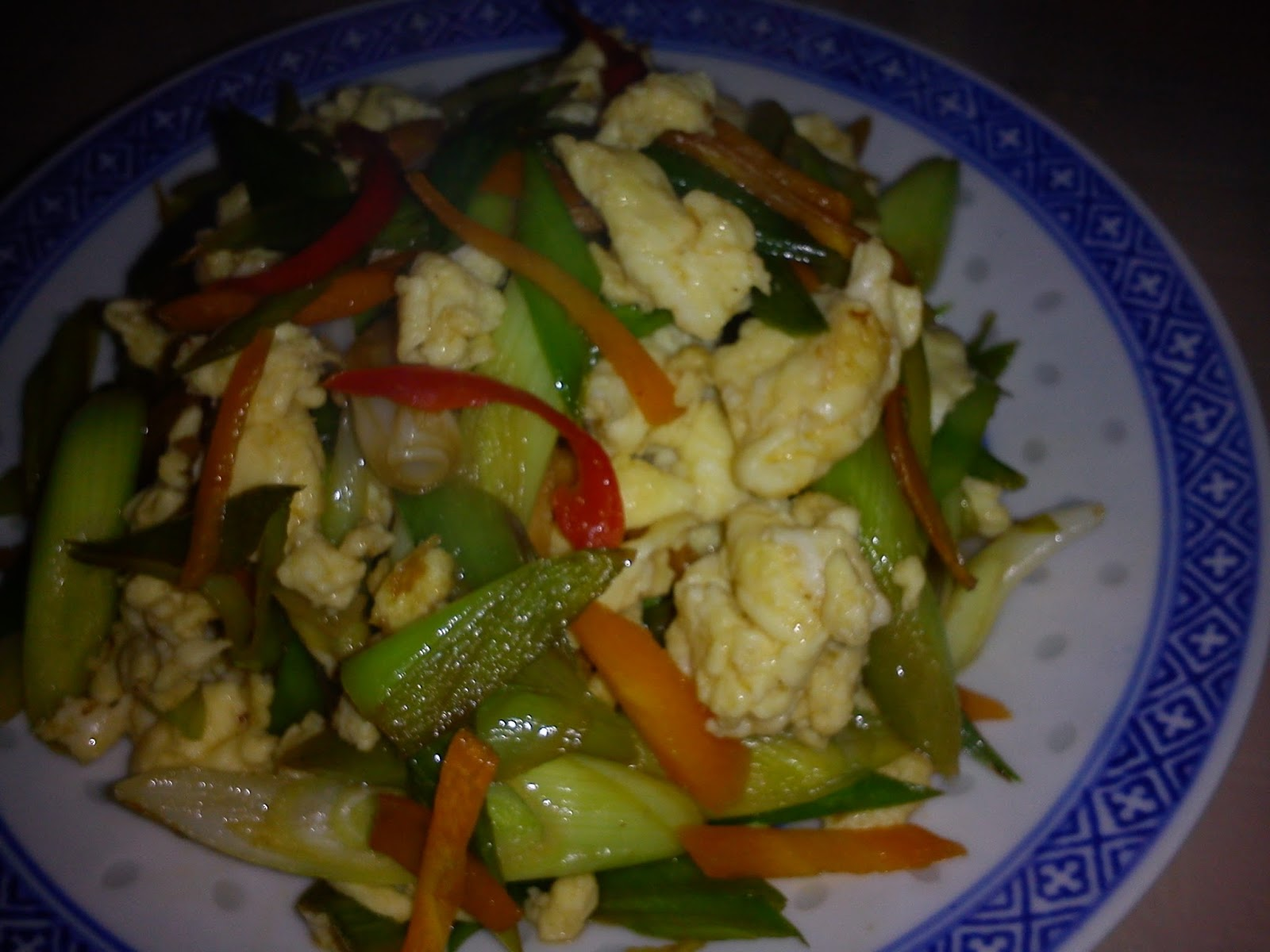 Cooking Pleasure: EZCR#25 - STIR FRIED LEEKS WITH SCRAMBLED EGGS