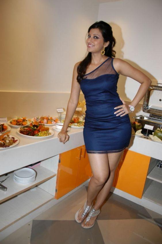 hamsa nandini spicy in blue skirt at food festival cute stills