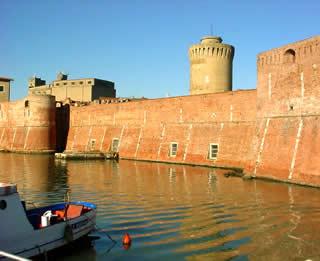 Sversamento di liquami nel mare di Livorno