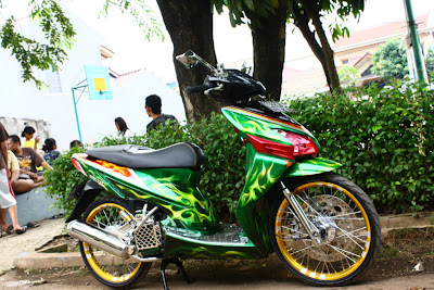 Simple Foto Modifikasi Honda Vario Terbaru