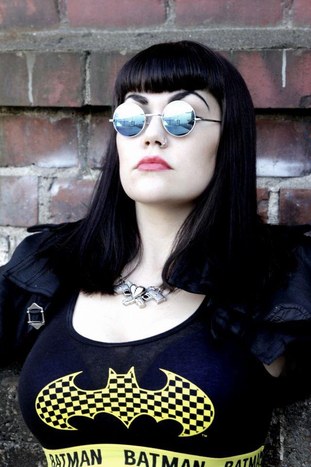 http://www.emp.fi/blog/vaatteet_ja_tyyli/vaatteet_ja_muut_tuotteet/good-girl-gone-bat/