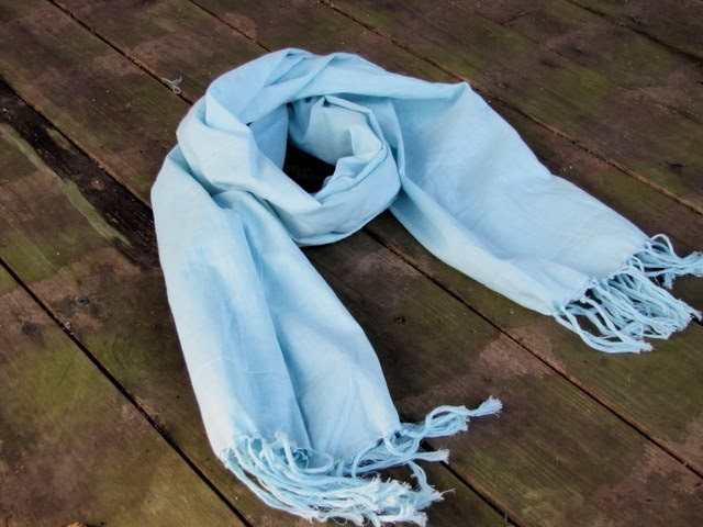 mama says sew: Frayed Scarf Tutorial
