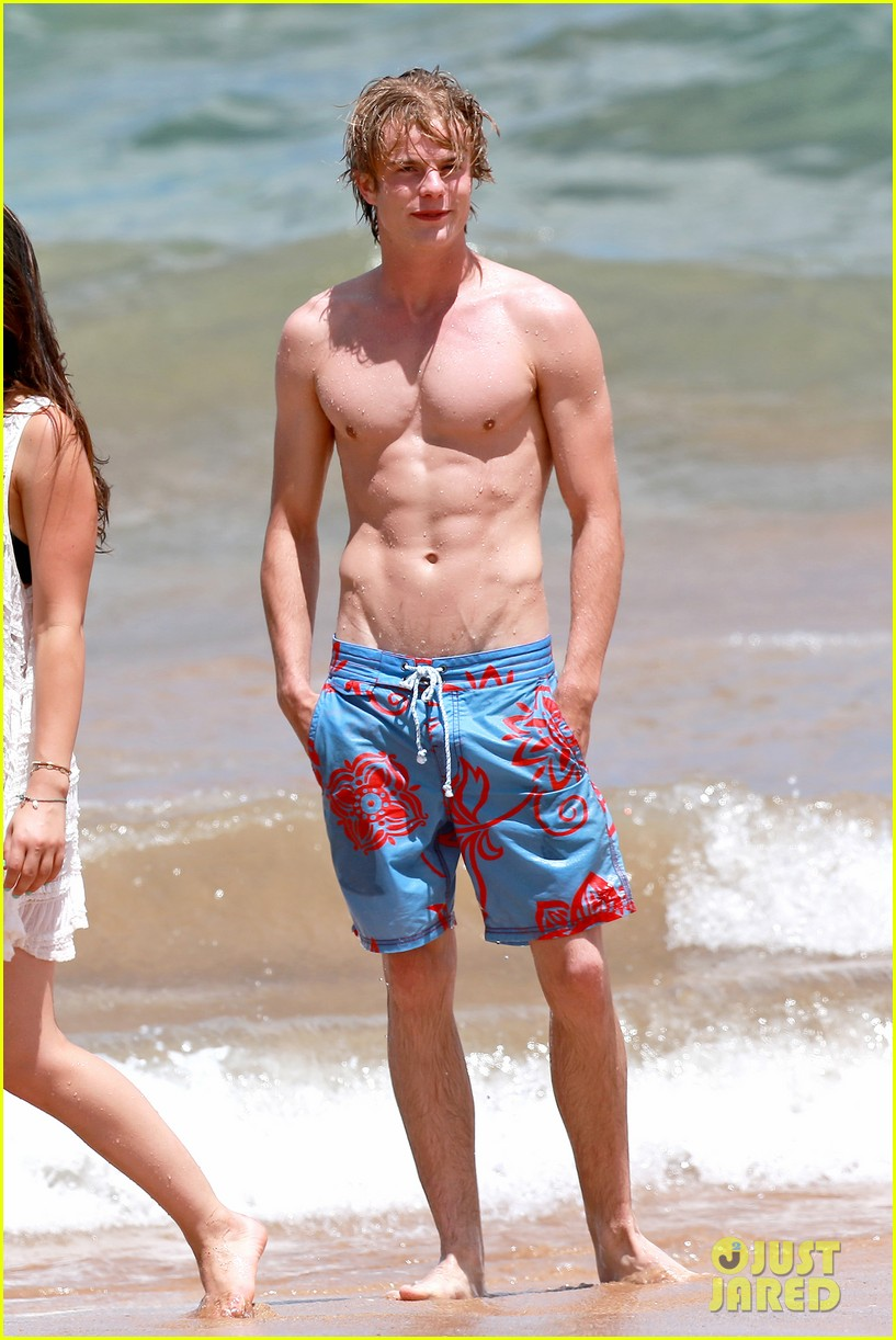 The Stars Come Out To Play Graham Rogers Shirtless Pics
