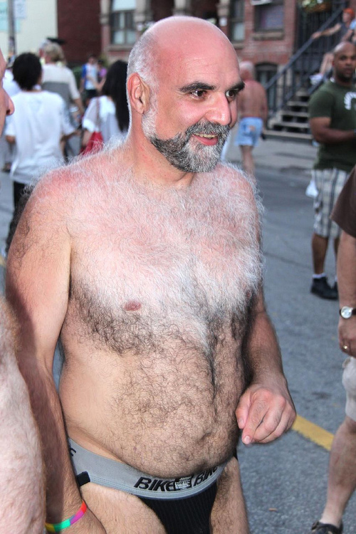 naked hairy daddy bears - naked old man blog pictures - naked outdoor