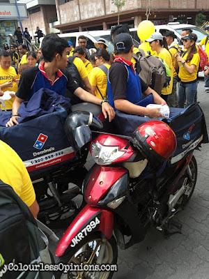 bersih 4 domino's