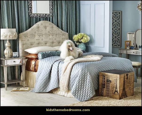 Pink poodles paris style bedroom decorating paris style for Paris themed decor