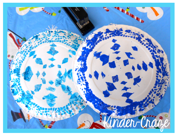 Tutorial for pretty snowflakes made from doilies and paper plates
