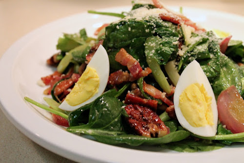Wilted spinach and bacon salad