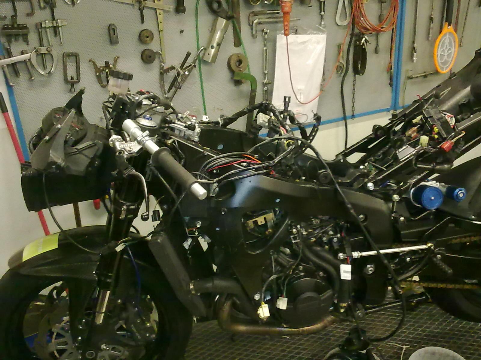 Schema Elettrico Honda Hornet 600 : Motofficina bencini backstage cbr rr