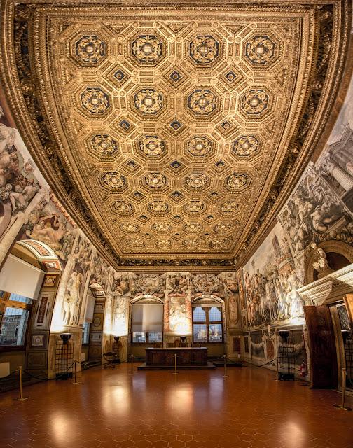 Techo de la Sala dell'Udienza - Palazzo Vecchio :: Panorámica 8x Canon EOS5D MkIII | ISO800 | Canon 17-40@17mm | f/6.3 | 1/13s