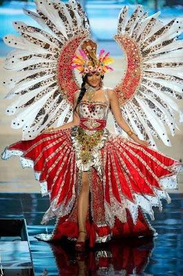 Ketika Maria Selena Ikut Ajang Miss Universe 2012