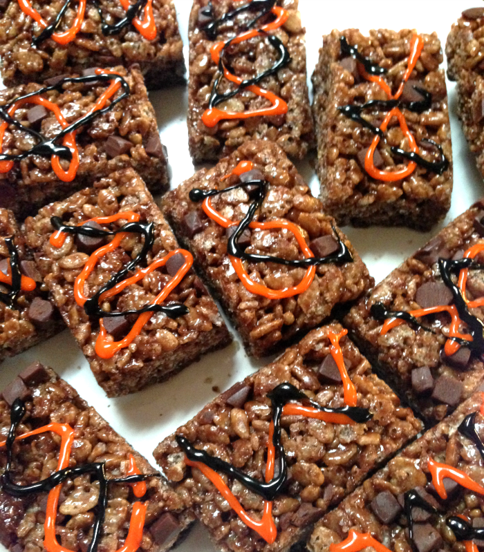 Halloween, Candy, Fall, Halloween Decorations, Recipes, Chocolate, Butterfinger, Rice Krispie Treats