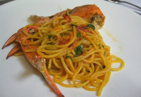 Crab Spaghetti with Saffron and Chili