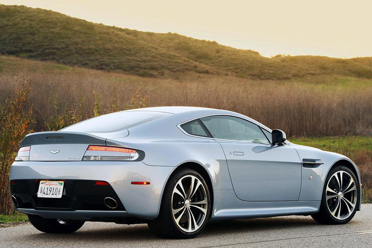 http://1.bp.blogspot.com/-OXX4juANE10/TVY38JbDnWI/AAAAAAAABxg/i1wtjnnb9xc/s1600/2011-Aston-Martin-V12-Vantag-03.JPG