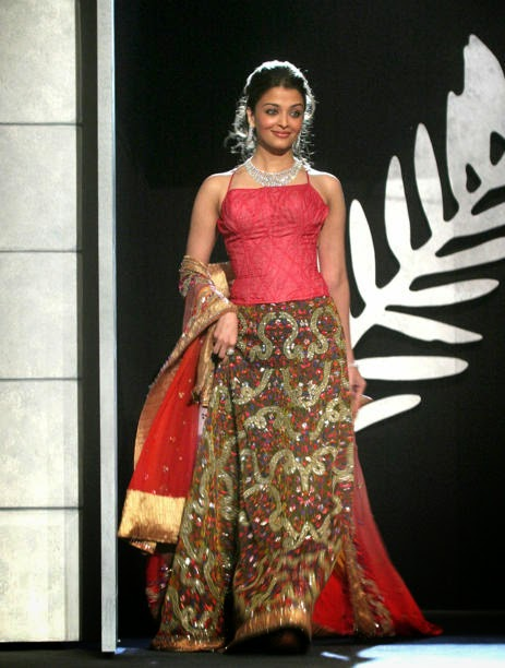 Aishwarya Rai walking in the ramp